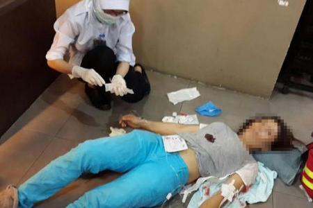 After quarrel, man stabs wife