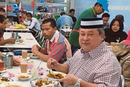 Sultan of Johor eats at coffee shop
