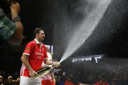 Wawrinka leads Singapore Slammers to IPTL title