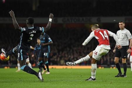 'Silent killer' Oezil can slay Arsenal's rivals, says Neil Humphreys