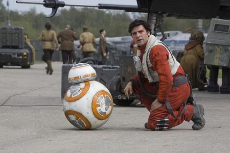The M Interview: Oscar Isaac on X-Wings and X-Men