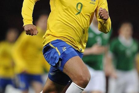 Sign the big-name players, Sasi  urges S.League clubs