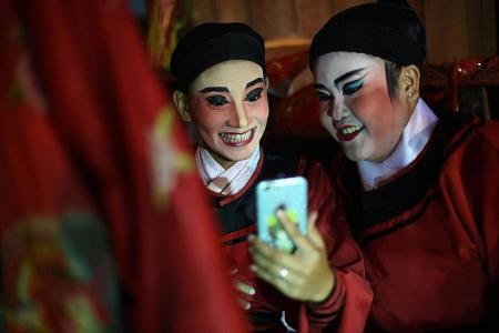 Keeping Chinese Opera alive in Thailand
