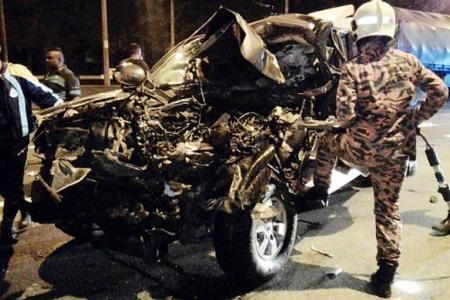 Two flee crash scene, leaving dead friend behind