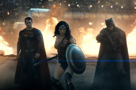 Win Batman v Superman: Dawn Of Justice movie premiums