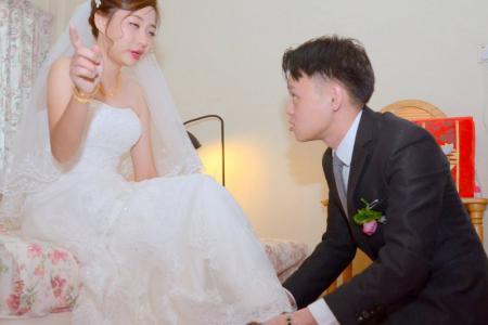 Photographer in bad wedding photo storm speaks up