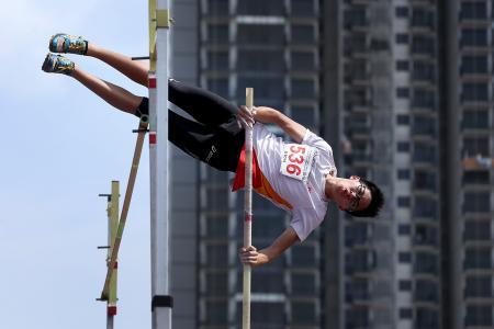 Hwa Chong 1-2-3 in B Boys' pole vault