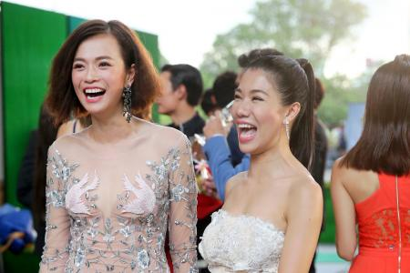 Eye candy on the Star Awards red carpet