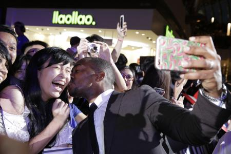 Singapore goes mad over Mackie