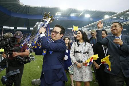 Leicester celebrate with Bocelli and Siam Foxes