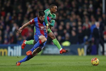 Black Cats alive, thanks to Defoe's fab five