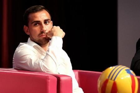 Never give up, Alcacer tells young athletes