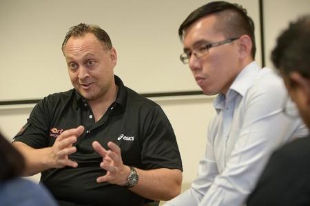 Floorball association names interim president and GM