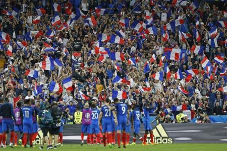 Deschamps' show of courage can fire France to Euro glory, says Neil Humphreys