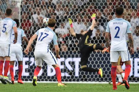 England kick off Euro 2016 campaign with a draw