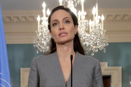 Jolie speaks on global refugee crisis