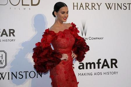 Katy Perry sets Twitter record