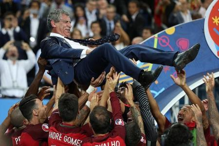 Santos does a Leicester with Portugal