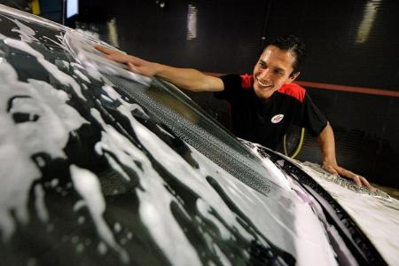 The Night Shift: Washing cars while you sleep