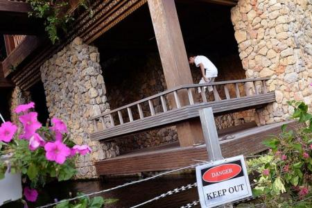 Sentosa Cove resident uses electric fence to keep out otters