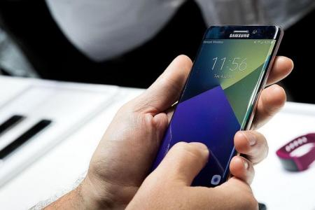 New Samsung phone hits sour note with users