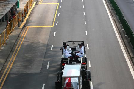 Thousands line streets to say goodbye to S R Nathan