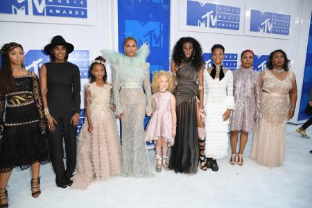 Ex-NYC mayor slams Beyonce's act