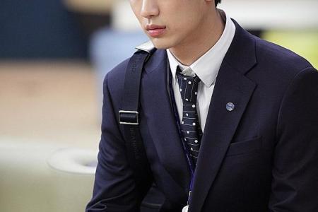 Is singer Eric Chou Kim Soo Hyun's lookalike? Fans say...