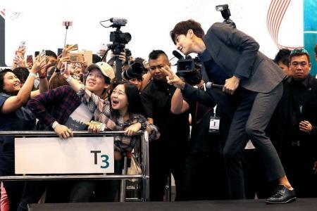 Lee Kwang Soo has intimate scenes in Korean version of Entourage