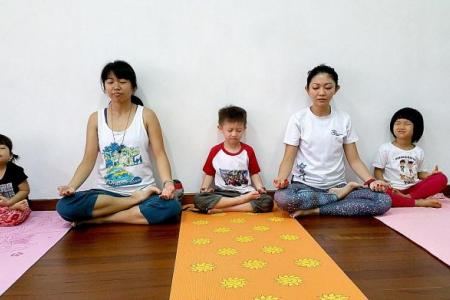 Yoga, tales and games for tots