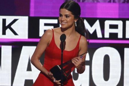 Emotional Gomez picks up AMA win