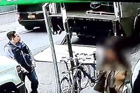 Man steals pail full of gold from truck in broad daylight