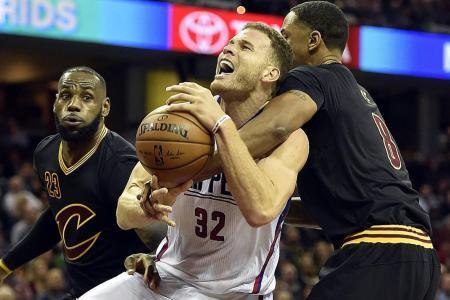 LeBron unfazed by Cleveland's slide