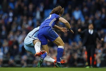 Luiz plays down clash with Aguero