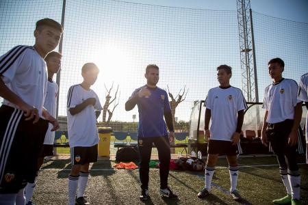 Valencia treat for 10 Singaporean teens