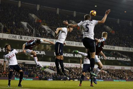 Pochettino: Spurs still in the mix