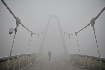 Red alert for smog issued in 23 Chinese cities