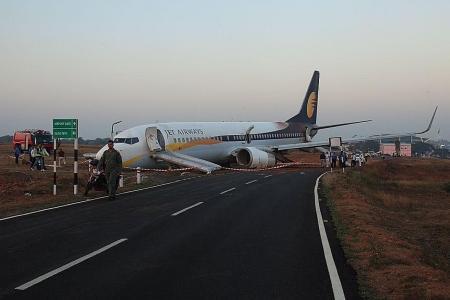 Plane skids off runway in Goa