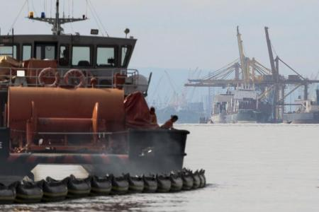 Oil spill as two ships collide off JB
