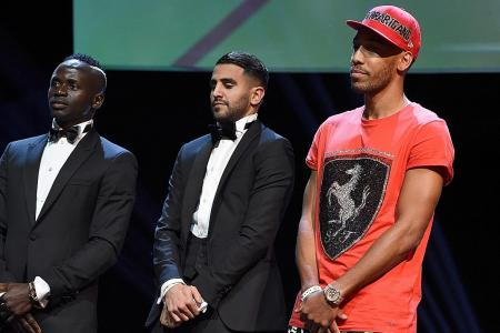 Aubameyang dresses down after losing luggage