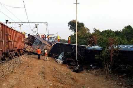36 killed in India train crash