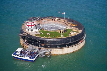 Igloos, a 'dog' house & an island fort