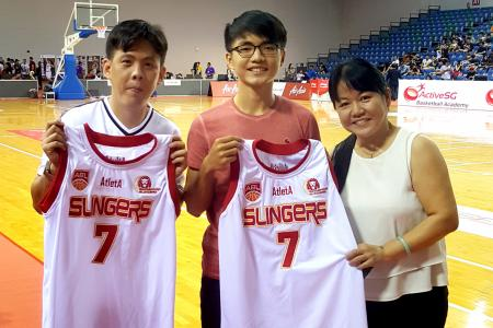 TNP-Slingers contest winners get close to the action