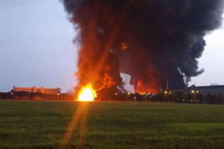Huge fire at Tuas waste management plant extinguished after 4 hours
