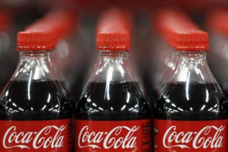 Trade unions in India call for ban on Coke, Pepsi