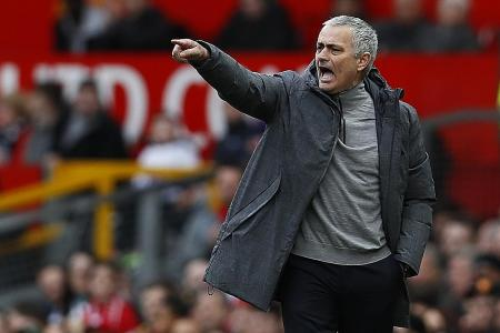 Mourinho takes dig at Chelsea's style