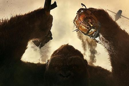 King Kong mauls Wolverine 