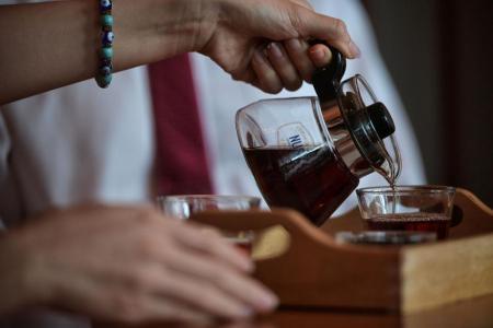 Drinking tea helps prevent dementia: NUS study