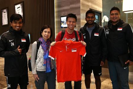 Singapore fans meet Lions, thanks to Qatar Airways