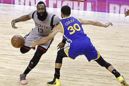Warriors shoot down Rockets with defence